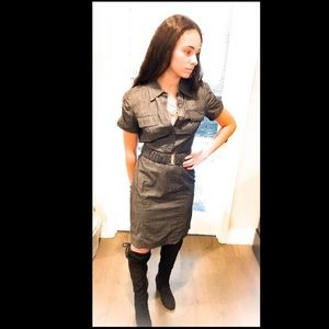 Fitted belted dress